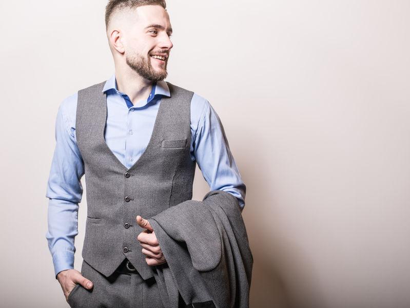 11 conseils pour bien porter un gilet de costume sans manche ! 6ddb26bfb96